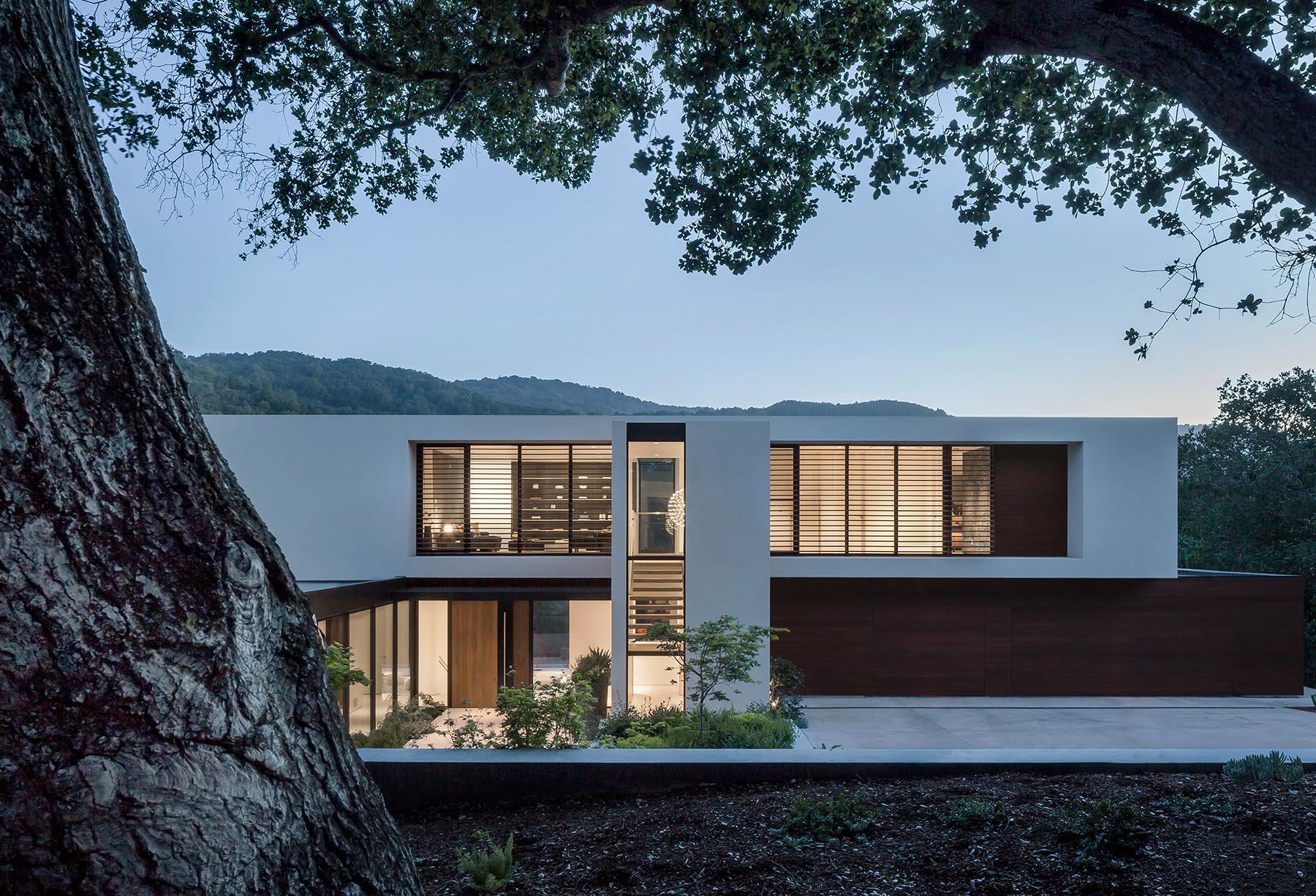 kuće koje nam se sviđaju.. - Page 5 Modern-house-white-exterior-261020-800-01-ZcxPAA